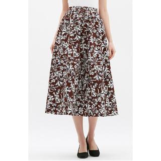 ジーユー(GU)のフレアロングスカート 花柄(ロングスカート)