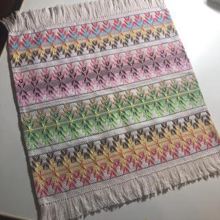 スウェーデン刺繍のランチョンマット
