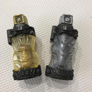 BANDAI - 仮面ライダービルド*ゴールドラビットフルボトル&シルバードラゴンフルボトル