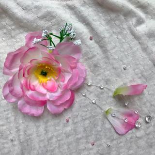 お花のコサージュとバレット(コサージュ/ブローチ)