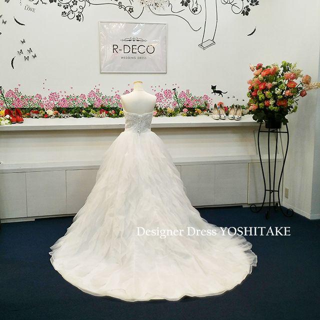 ウエディングドレス(パニエ無料) ウエストビーズ ふわふわスカート 挙式ドレス レディースのフォーマル/ドレス(ウェディングドレス)の商品写真