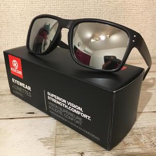新品 偏光サングラス シルバー ミラーレンズ ホルブルック型 ウェリントン