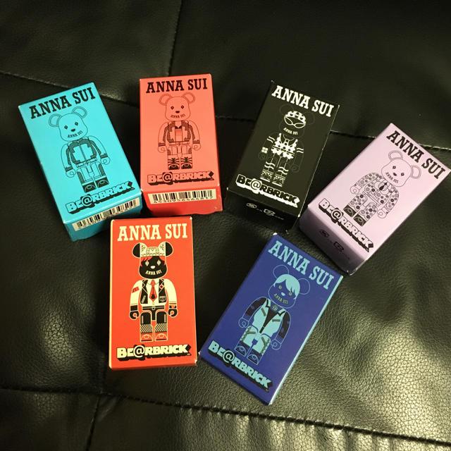 ANNA SUI(アナスイ)の未完封 ANNA SUI ベアブリック100% 6体セット エンタメ/ホビーのフィギュア(その他)の商品写真