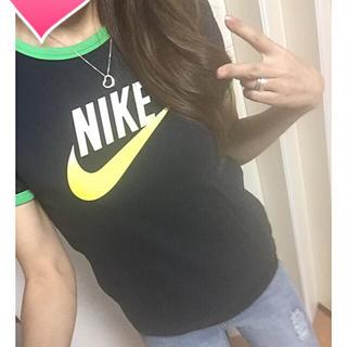 ナイキ(NIKE)のナイキ♡シンプルデザイン♡グラデーションロゴTシャツ♡(Tシャツ(半袖/袖なし))