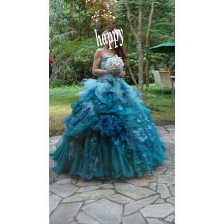 エメラルドグリーンカラードレス