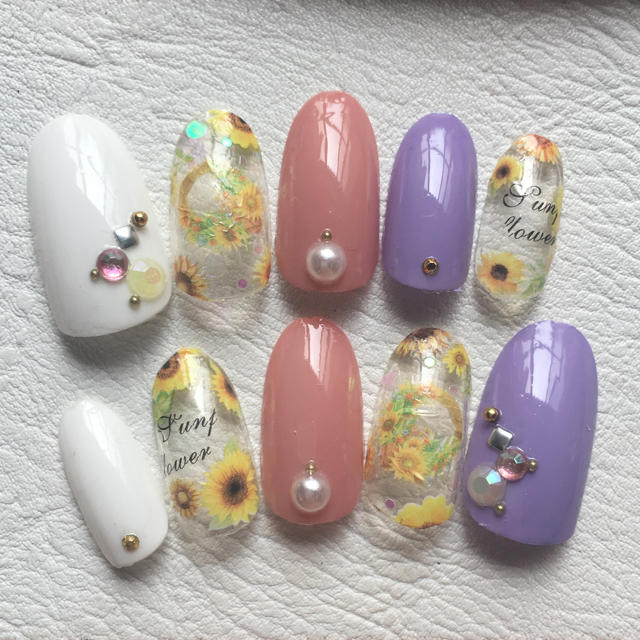 sale✨ひまわりネイル♡夏ネイル コスメ/美容のネイル(つけ爪/