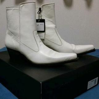 ゴーサンゴーイチプールオム(5351 POUR LES HOMMES)の値下げしました新品未使用 5351 Pour Les Hommes白ジップブーツ(ブーツ)