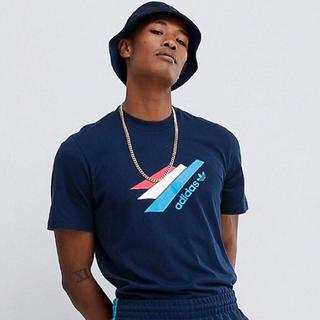 アディダス(adidas)の【Lサイズ】新品タグ付き adidas デザイン Tシャツ ネイビー(Tシャツ/カットソー(半袖/袖なし))