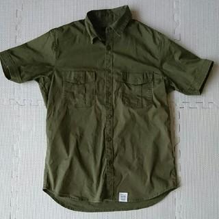 アズールバイマウジー(AZUL by moussy)のアズール ミリタリーシャツ Sサイズ(ミリタリージャケット)