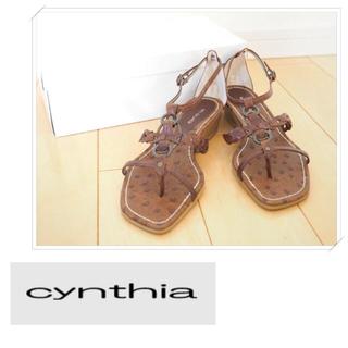 シンシア(cynthia)の* シンシアのシンプルで履きやすいストラップフラットサンダル・ブラウン系 日本製(サンダル)