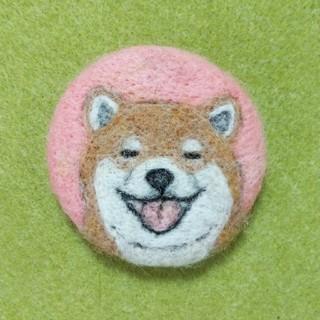 羊毛フェルトブローチ 柴犬 しばたさん(コサージュ/ブローチ)