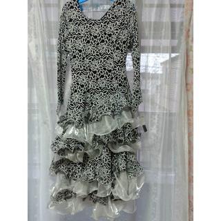 イチオク 社交ダンスフリルが豪華なエレガンドなドレス 黒地×白花柄×白レース(その他ドレス)