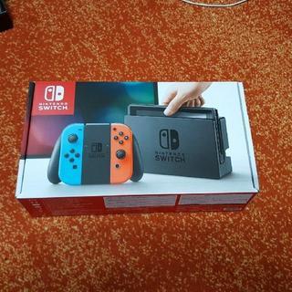 ニンテンドースイッチ(Nintendo Switch)の5%オフ スイッチ 本体 Nintendo Switch ネオン 新品未開封(家庭用ゲーム本体)