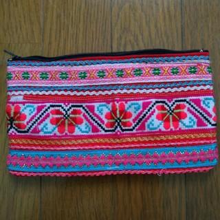 タイ モン族 手刺繍ポーチ 一点物(ポーチ)