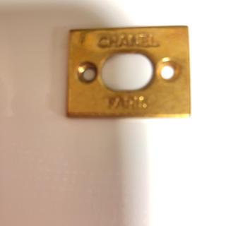 CHANEL - 正規シャネルバッグの金具一部