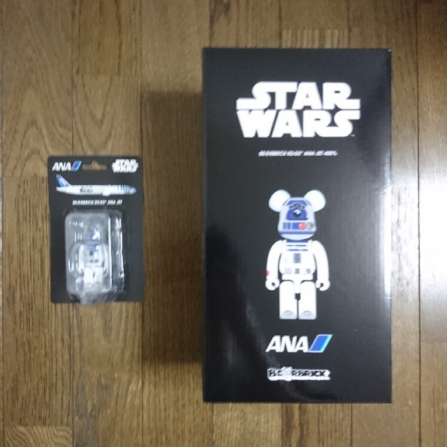 送料込み BE@RBRICK R2-D2 ANA JET 400% & 100% エンタメ/ホビーのフィギュア(その他)の商品写真