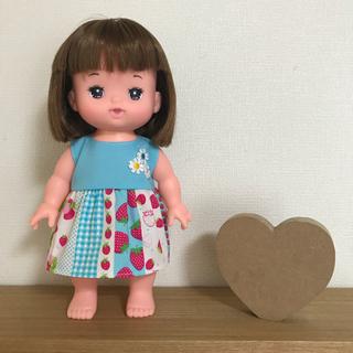 【専用】メルちゃん 洋服 水色いちご柄ワンピース(人形)