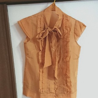 デンドロビウム(DENDROBIUM)のdendrobiumブラウス(Tシャツ(半袖/袖なし))
