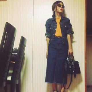 アズールバイマウジー(AZUL by moussy)のマウジースリットデニムスカート(ひざ丈スカート)