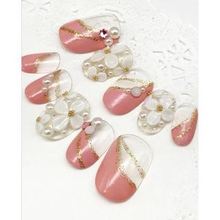 515 ショートオーバル ピンク変形フレンチ お花敷き詰めネイル