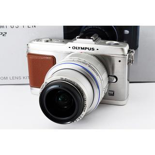 オリンパス(OLYMPUS)の☆HD動画も撮れる♪WiFiも☆オリンパス E-P2 シルバー レンズキット(ミラーレス一眼)