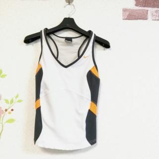 ナイキ(NIKE)の美品!NIKE DRY FIT Sサイズ 胸カバー付 スポーツ タンクトップ(タンクトップ)