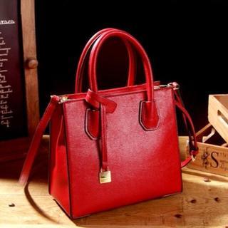 トレンドの赤バッグ ショルダーバッグ 2WAYタイプ 小さめバッグ 鞄 (ショルダーバッグ)