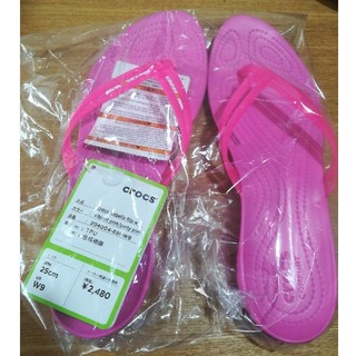 クロックス(crocs)の25cm クロックス イザベラ フリップ ピンク 新品 / 未使用 + 送料無料(サンダル)