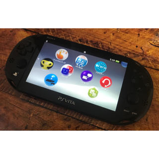PlayStation Vita - 中古PSVita PCH-2000本体のみ