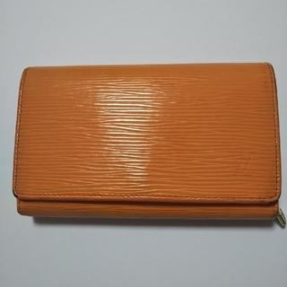 ルイヴィトン(LOUIS VUITTON)のルイヴィトンエピ 折り財布 オレンジ(財布)