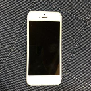 アイフォーン(iPhone)のiPhone5S 32GB silver(スマートフォン本体)