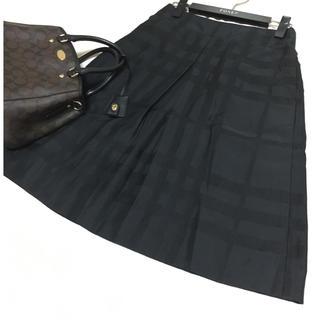 バーバリー(BURBERRY)のバーバリー チェック スカート ブラック シャドーチェック(ひざ丈スカート)