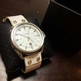 ディーゼル(DIESEL)のDIESEL腕時計 ホワイトレザー(腕時計(アナログ))