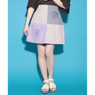 ワンアフターアナザーナイスクラップ(one after another NICE CLAUP)のナイスクラップ 刺繍台形スカート(ミニスカート)