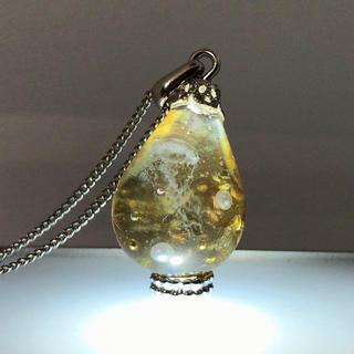 IORIレジンネックレス 海月の宝石