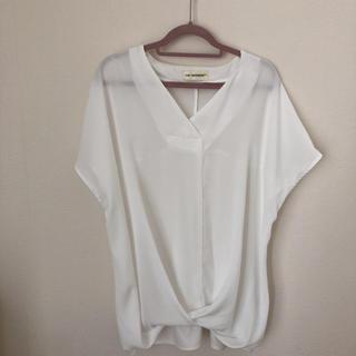 イネド(INED)のINED ☆ホワイト ブラウス(シャツ/ブラウス(半袖/袖なし))