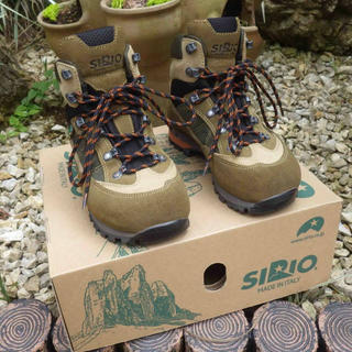 シリオ(SIRIO)のSIRIO トレッキングシューズ 23.5cm【ほぼ新品】(登山用品)