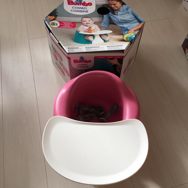 Bumbo(バンボ)のbumbo バンボ テーブル付き ベビーチェア キッズ/ベビー/マタニティの寝具/家具(収納/チェスト)の商品写真