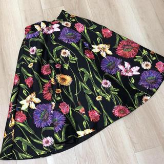 アンドクチュール(And Couture)のAnd Couture ビックフラワー柄スカート 75丈 アンドクチュール (ひざ丈スカート)