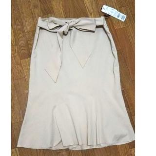イネド(INED)の【タグ付き】INED スカート(ひざ丈スカート)