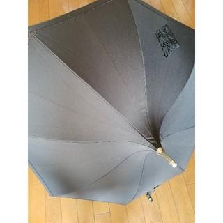アウロラ(AURORA)のAURORA オーロラ企画日傘 ブラック 花柄刺繍(傘)