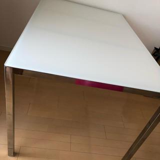 イケア(IKEA)のIKEA ガラス ダイニングテーブル(ダイニングテーブル)