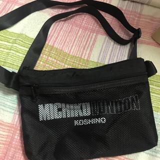 ミチコロンドン(MICHIKO LONDON)のMICHIKO LONDON KOSHINO メッシュサコッシュ(リュック/バックパック)