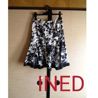 イネド(INED)のINED和柄膝丈綺麗めスカート!モノトーン(ひざ丈スカート)