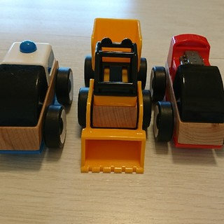 イケア(IKEA)のIKEA 木製車おもちゃ(電車のおもちゃ/車)