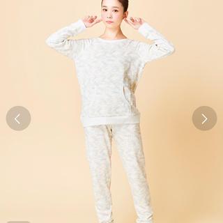 une nana cool - 新品 ウンナナクール バンビ柄パジャマ