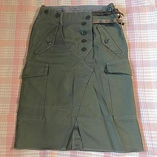 レザーベルト付きデザイン ひざ丈スカート(ひざ丈スカート)