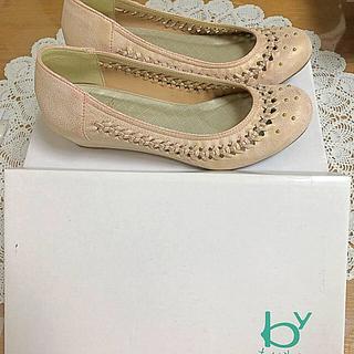 アシナガオジサン(あしながおじさん)の8年位前に買った薄いピンクの可愛い皮靴で、数回はきました。(ハイヒール/パンプス)