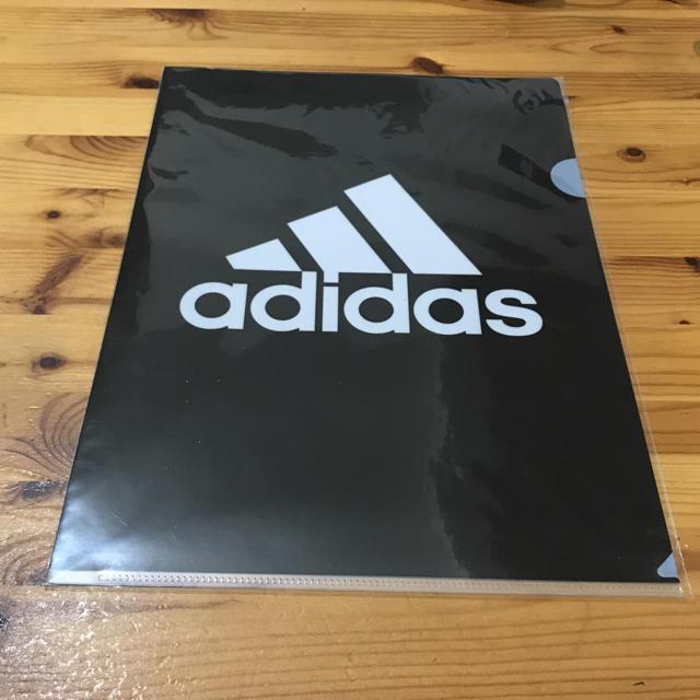 adidas(アディダス)のadidas クリアファイル インテリア/住まい/日用品の文房具(ファイル/バインダー)の商品写真