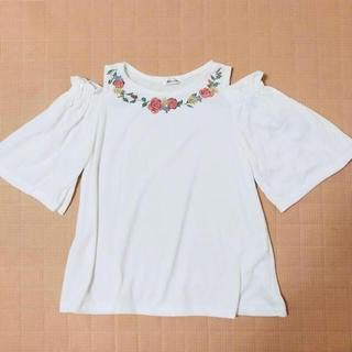 シマムラ(しまむら)の花柄プリントオフショル 肩出し(カットソー(半袖/袖なし))